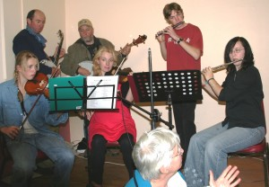Music gives freely (A bushdance fund raiser to help out a friend)