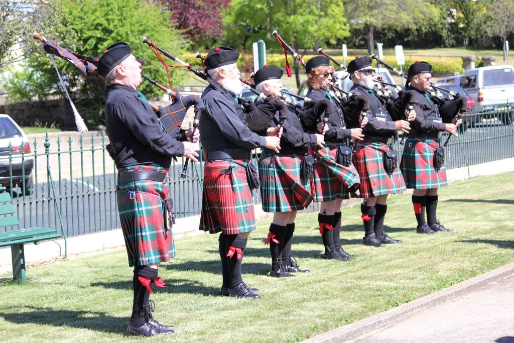 queanbeyan-pipes-drums_mc01